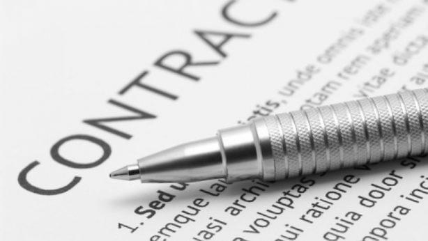 La sottile linea dello sconfinamento da contratto